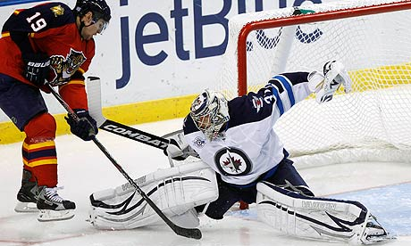 Ondrej Pavelec Stops the Panthers